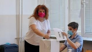 Илияна Йотова: Гласувах за държава с правила и закони