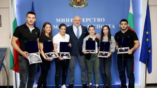 Министър Кралев: Биляна Дудова има нужда да се събере психически, да се възстанови и да продължи напред