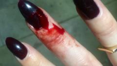 Как акрилът може да увреди ноктите (СНИМКИ)