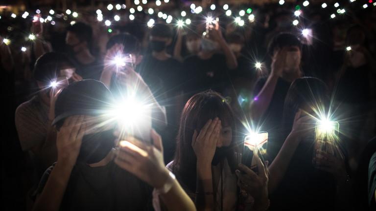 И ученици протестираха в Хонконг. Напрежението в бившата британска колония