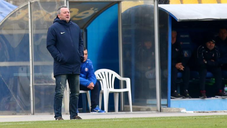 Старши-треньорът на Левски Славиша Стоянович е отчаян от вратарската криза