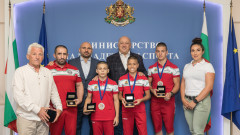 Министър Кралев награди медалистите от Световното първенство по ММА