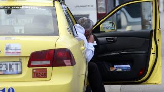 Не 6, а 3 месеца имат таксиметровите шофьори за пререгистрация