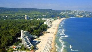 Тази година почивката на море за българи е по-скъпа
