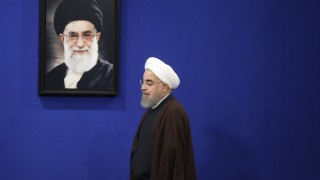 Разрив между Рохани и Хаменеи
