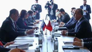 Лавров: Санкциите на САЩ не пречат на военното сътрудничество Русия-Турция