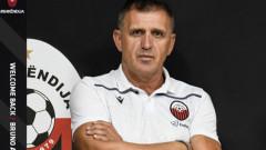 Бруно Акрапович пое шампиона на Северна Македония