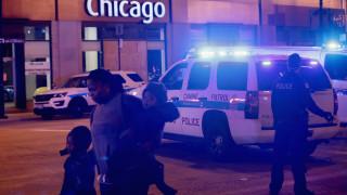 Повече от 100 задържани след грабежи и безредици в центъра на Чикаго