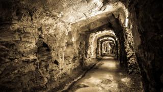 Около 30 работници заклещени в мина в Германия след експлозия