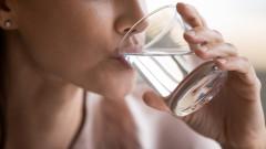 Хидратира ли се кожата, когато пием вода