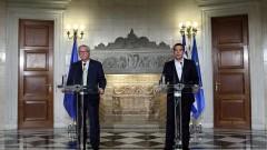 Облекчете дълга на Гърция, призова Юнкер еврозоната в Атина
