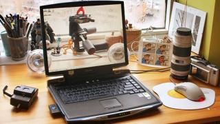 Журналисти и програмисти - най-засегнати от техностреса