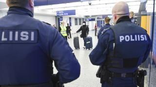 Финландия отцепва Хелзинки, бори коронавируса