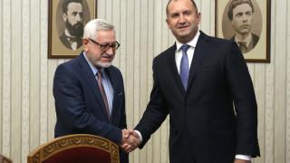 Румен Радев намекна за нова политика спрямо Северна Македония
