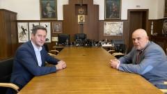 Гешев се срещна с брата на изчезналия Янек Миланов