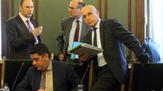 Депутатите върнаха с крачка назад проекта за покупка на нов изтребител