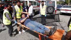 Близо 30 жертви на два взрива в Кабул