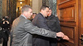 """Съдът произнася присъда за източването на """"Сапард"""""""