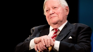 In memoriam: Как Хелмут Шмит разбираше икономиката