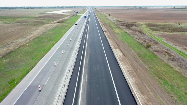 До началото на лятото ще завърши ремонтът на пътя Бургас - Царево