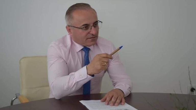 Кметът на Сандански отрича да се е ваксинирал