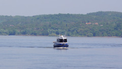 """С новодоставен кораб извършват хидрографни измервания на река """"Дунав"""""""