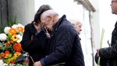 Стотици си взеха последно сбогом с Рангел Вълчанов