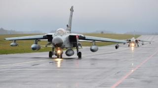 """Германия изпрати четири самолета """"Торнадо"""" срещу ДАЕШ"""
