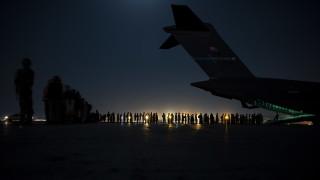 Politico: След Афганистан нека не се заблуждаваме за основания на правила западен ред