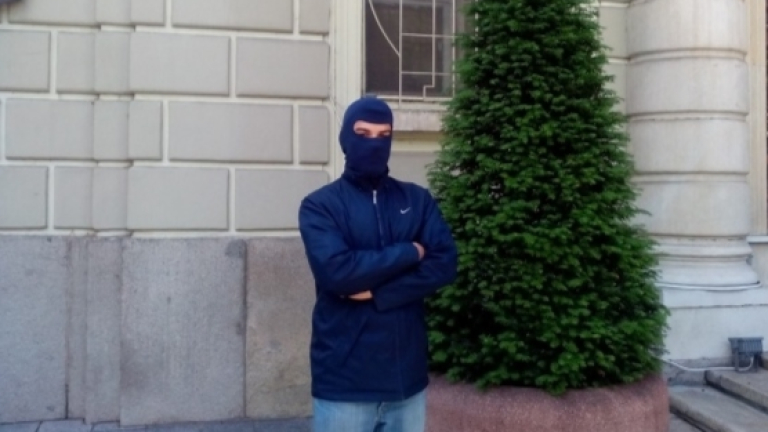 Маскиран крадец отива на съд за грабеж в Благоевград