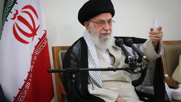 Аятолахът на Иран сряза САЩ за ударите в Ирак