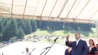 Румен Радев: С дружни усилия можем да надмогнем апатията и да въздигнем България