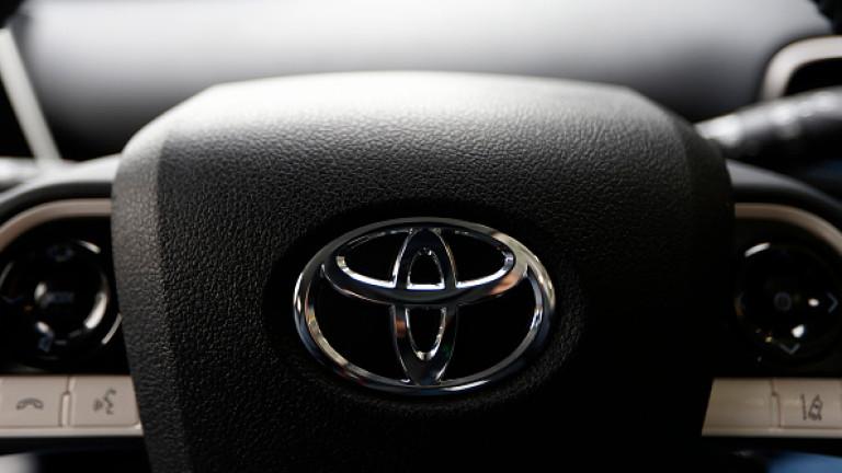 Топ производителите имат проблем на най-големия автомобилен пазар. С едно изключение