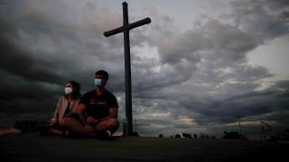 Бразилия мина 500 000 смъртни случая от коронавирус, ситуацията е критична