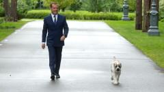 Медведев засилва руските търговски, военни и политически връзки в Куба