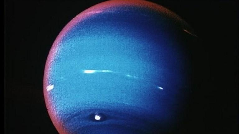 На Нептун и Уран валят дъждове от диаманти - буквално