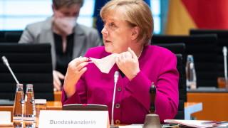 Меркел иска контрола над федералните региони и да наложи коронавирус ограничения