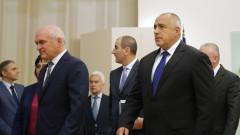 Борисов отчита нуждата и от самолети, и от танкове