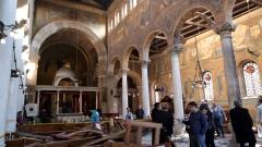 Най-малко 26 загинали при експлозия до църква в Кайро