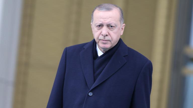 Кюрдите не могат да канят други елементи в Манбидж, скочи Турция