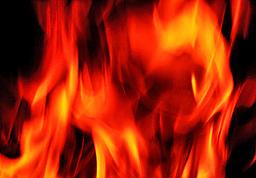 Подпалиха 8 гръцки банки