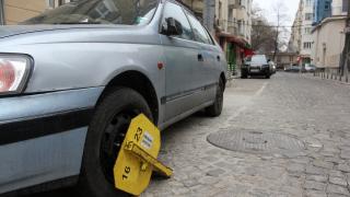 Освежават маркировката на платеното паркиране в София