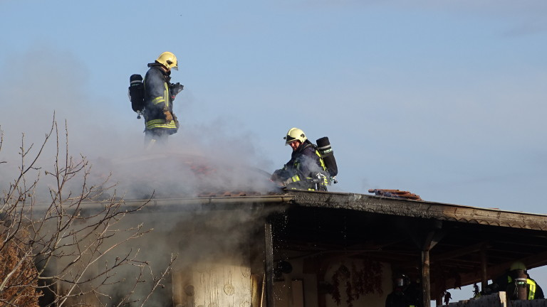 Къща изгоря в приморското село Ясна поляна, съобщи bTV. Огънят