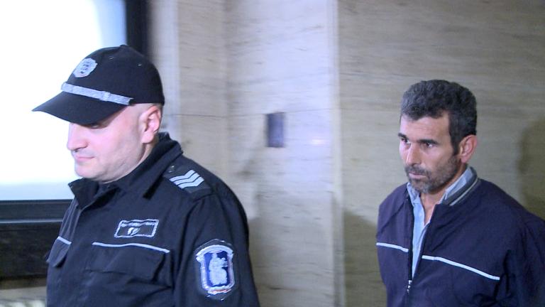 Оставиха в ареста турчина, хванат с над 20 кг кокаин на Калотина