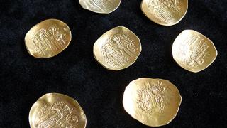Овчаров откри златно съкровище във Велико Търново