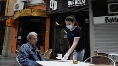 Европейските правителства са под натиск за отварянето на магазини и фабрики