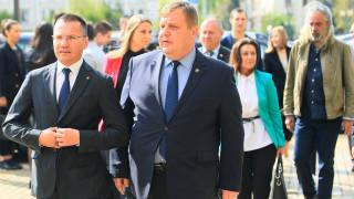Атаката към Каракачанов - заради излизането напред на ВМРО