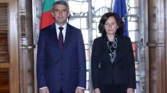 Въвеждането на еврото е стратегическа задача, обяви Плевнелиев в БНБ