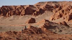 Да прекосиш пустинята Гоби с колело