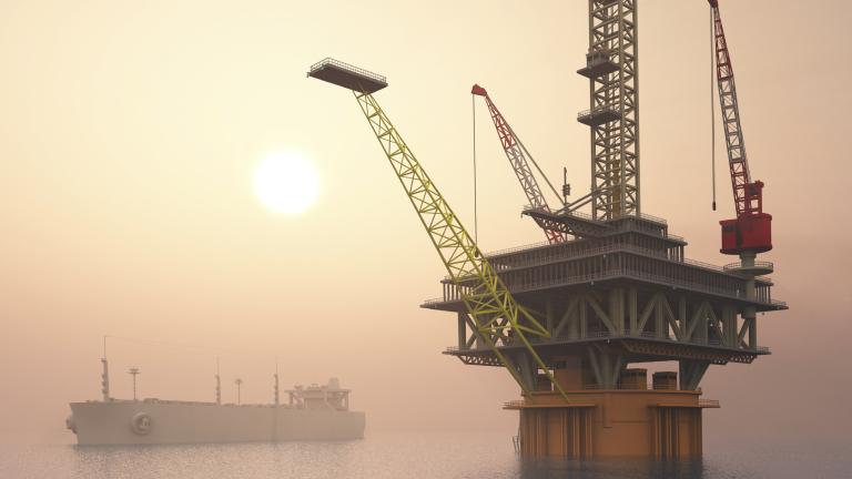 Цените на петрола вече се сринаха с близо 60% от